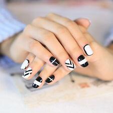 Cute Geometric Designed False Nails Tips  24 pcs Black and White Finger Tips