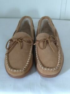 Minnetonka Men's Pile Lined Hardsole Moccasin Suede Slippers Beige Size 10