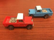 Hot Wheels LAND ROVER SERIES III PICKUP Hot Trucks Series    Red & Blue