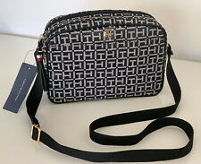 NEW! TOMMY HILFIGER BLACK SIGNATURE LOGO DOUBLE ZIP CROSSBODY SLING BAG $78 SALE
