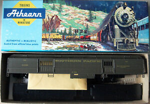HO Scale Athearn Southern Pacific (SP) Std. Baggage Passenger Car Kit