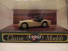 CORGI CLASSIC MODELS - D738/1 TRIUMPH TR3A SOFT TOP - CREAM/BLACK