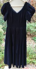 """Laura Ashley Great Britain Blue Velvet Button Back Vintage Us Size 10 Chest 36"""""""