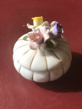 Minature Ceramic White & Gold Trinket Bowl with Flowered Lid & 2 matching vases