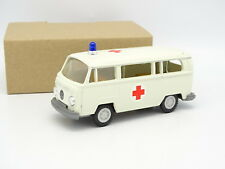 Gama Mini Exxon 1/43 - VW Combi T2 Ambulance