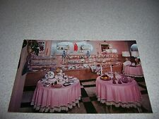 1950s CONCORD HOTEL GIFT SHOP KIAMESHA NY. VTG POSTCARD