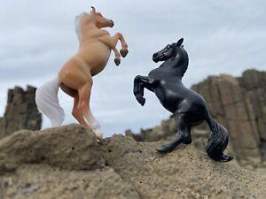 2 Breyer Toy Horse Horses FREE POSTAGE Animal Model Ornaments Figurine Realistic