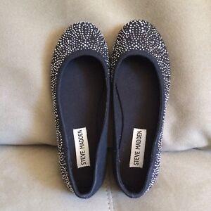 Steve Madden Black Silver Tone Studded Ballet Flats US Size 2