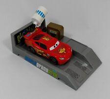 Disney Pixar Cars Auto, Lightning McQueen, Pit Stop Weihnachten,Geschenk-NEU