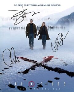 THE X FILES CAST SIGNED 8x10 RPT PHOTO DAVID DUCHOVNY ANDERSON AND CARTER XFILES