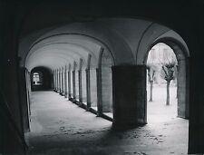CLUNY c. 1954 - Abbaye de Cluny Passage Arcades Saône et Loire - DIV 9869