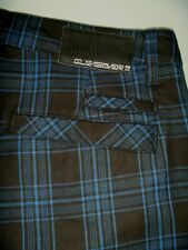 #7097 QUIKSILVER Walk Shorts *as NEW* Size 32