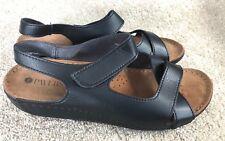 Pavers shoes size 5 black sandals