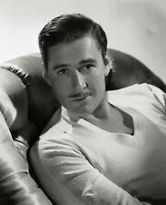 Errol Flynn Classic Portrait Black And White   8x10 Picture Celebrity Print
