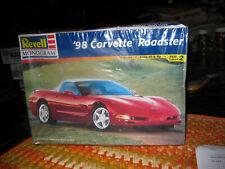 REVELL/MONOGRAM, #2527 1:25 1998 CORVETTE ROADSTER MODEL KIT