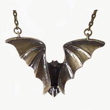 bijoux gothiques esoteriques surnaturel Vampire en bronze sur chaine