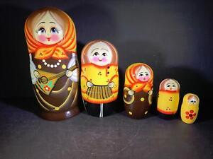 A) 5 Wood Matryoshka Nesting Dolls Hand Paint MOSCOW RUSSIAN ORIGINAL