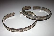 Paire de bracelets chinois en argent (années 1920-1940)