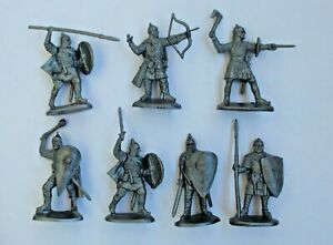 """Set of 7 pcs Russian Knights Warriors 1/30 Plastic Toy Soldier 60 mm / 2,3"""" NEW"""