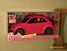 BAMBOLA Barbie e VOLKSWAGEN BEETLE AUTO mai tolto dalla scatola