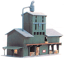Model Power # 407 Valley Lumber Mill- Kit HO Scale MIB