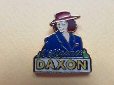 Pin's - 124 - Daxon - L'élégance - Hypermarket