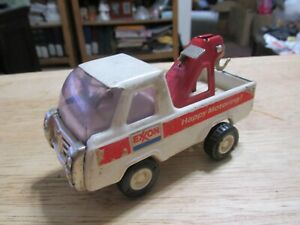 Vintage Buddy L Pressed Steel Exxon Happy Motoring Tow Truck