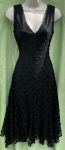 New Look Size 12 Black Plunge Fit Flare Lined Floaty Lace Short Sleeve Dress