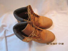 Preowned Men's Size 5 Low Cut Timberland Brand Boots