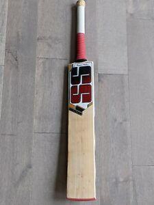 New Master 99 English Willow Cricket Bat