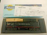 HO scale Athearn Trainmaster Southern Pacific locomotive Vintage no 4813