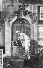 BR39352 La femme au puits Pau france
