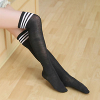 Chaussettes hautes montantes grises bandes horizontales blanches sporty sexy