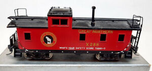 Brass Great Northern Caboose by Tenshodo