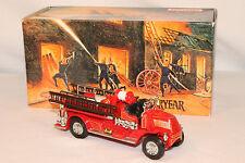 1:43 Matchbox - 1920 Mack AC Firetruck - YFE01
