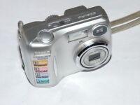 Cámara digital Nikon Coolpix 2200  - Plata
