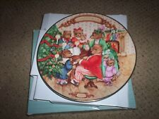 Avon Together For Christmas Christmas Plate 1989 In Original Box