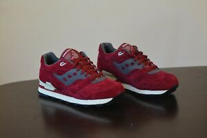 New DS 2015 Saucony Courageous red burgundy size 8.5 US