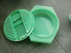 Spätzle-Reibe von Tupperware, hellgrün, 2 Teile, Kunststoff
