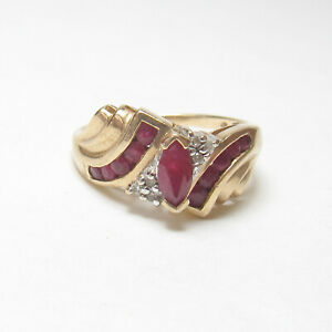 Estate 10K Yellow Gold 0.30 Ct Natural Marquise Berry Red Ruby And Diamond Ring