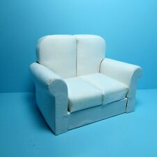 Dollhouse Miniature Living Room Love Seat in White ~ T6787-1