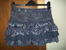 womans short layered lace detailed skirt from new look size 6 in v good condit