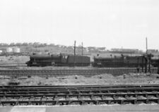 PHOTO  GWR COUNTY AND A HALL AT BARRY SHED.