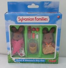 SYLVANIAN HAZEL AND RIHANNA'S DAY OUT - DISCONTINUED