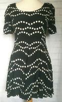TOPSHOP Dress Black White Dots  Short Sleeve Skater Style Summer size 12