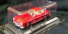 Coches, camiones y furgonetas de automodelismo y aeromodelismo IXO color principal rojo Mercedes