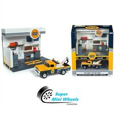 Johnny Lightning Gulf Service Station with Diecast 1959 Ford F-250 Tow Truck