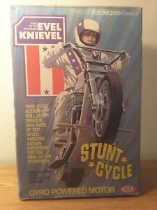ORIGINAL ''EVEL KNIEVEL'' STUNT CYCLE BY IDEAL  (BOX & CYCLE ONLY)