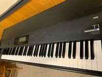 Korg T1 88 Key Synthesizer (weighted action) - Original Owner