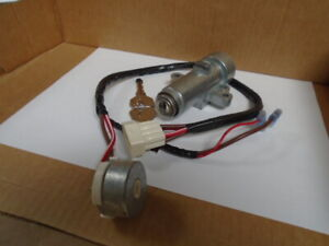 Triumph STAG MKII  ** STEERING/IGNITION LOCK & KEYS + SWITCH ** 160337/218500